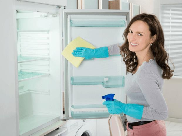 Keep The Refridgerator Clean