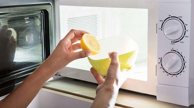 Keep The Microwave Clean