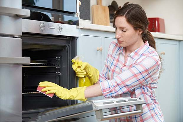 Keep The Oven Clean