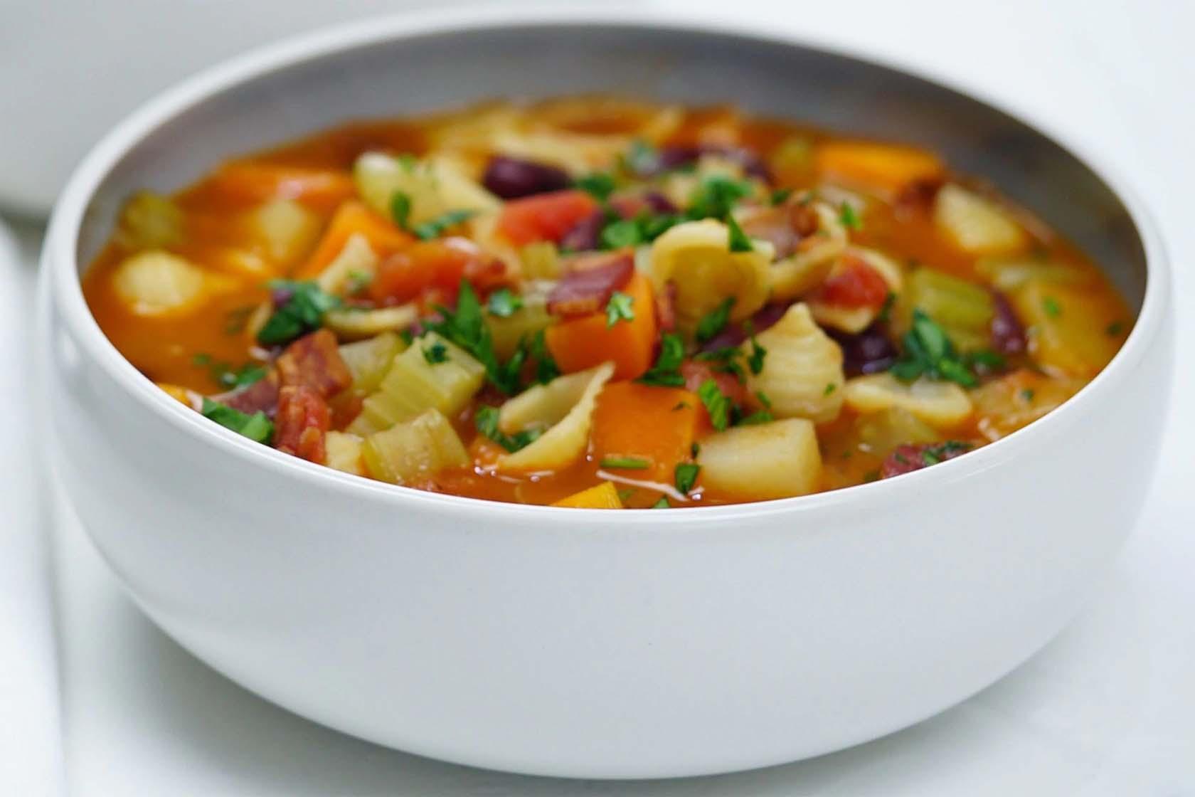Healthy Italian Minestrone Soup