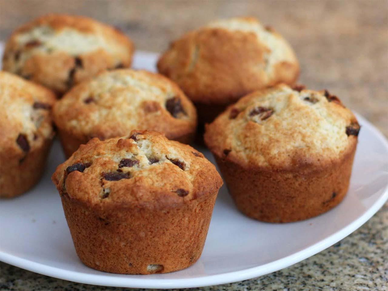 Dates And Walnut Muffins